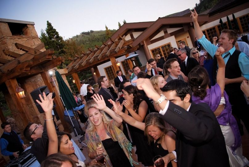 800x800 1352162684492 weddingpartysteineriksenlodge