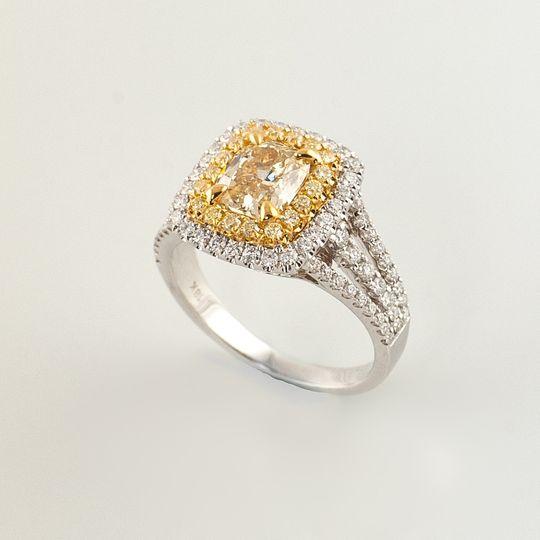 ay1125yellow diamond rin