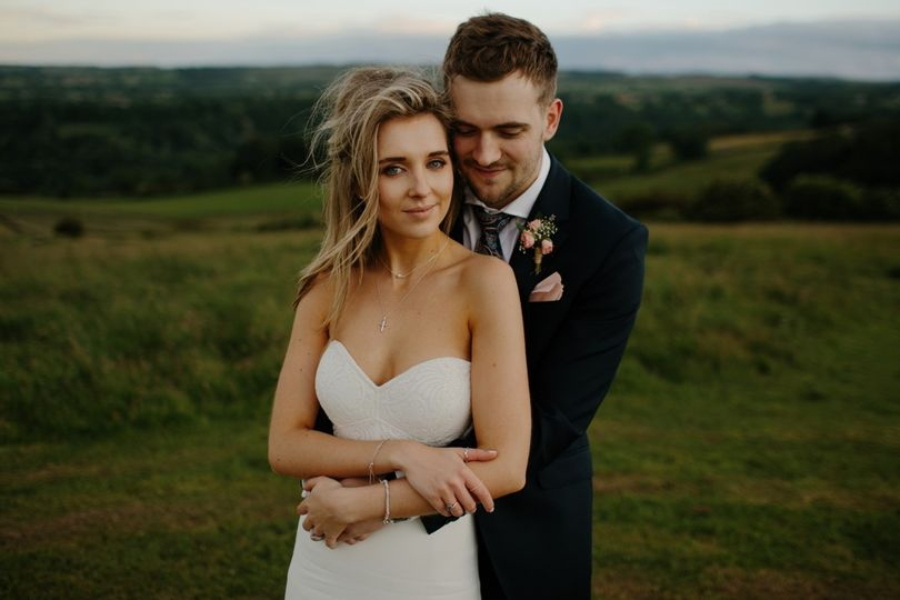 woman bride man groom field 1411096 51 1048379