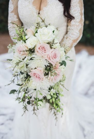 Cascading bouquet of pink and white