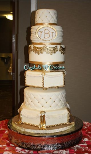 Crystals And Cream Luxury Custom Cakes Wedding Cake Plano Tx Weddingwire
