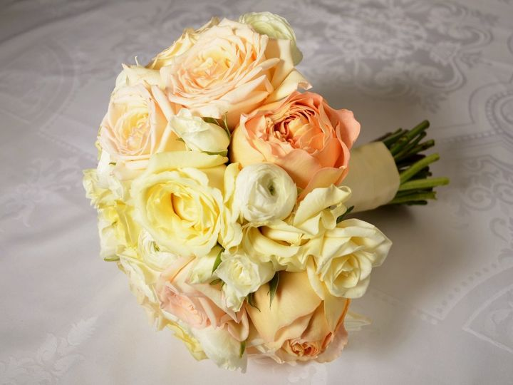Creamy blush bouquet