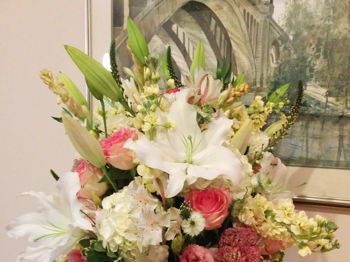 Tmx 1486006191798 Pinkwhitecreamvase Philadelphia, Pennsylvania wedding florist