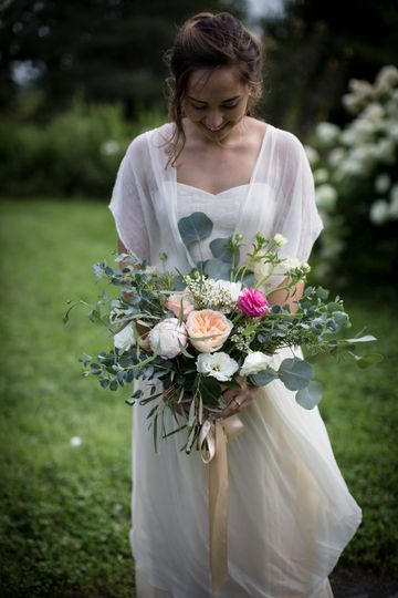 Garden Roses and Lisianthus