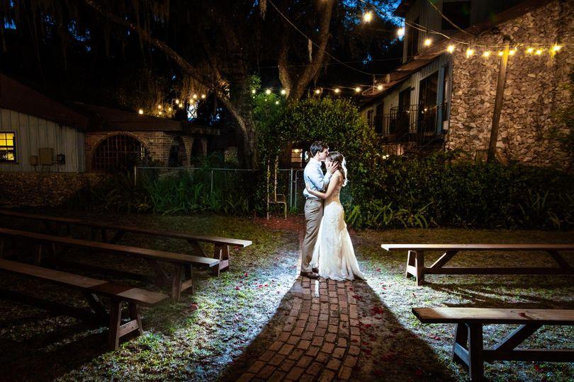 Bride & groom portraits dramat