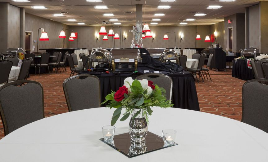 0b72579c282a04f3 1454615344290 nmec holiday party center flowers