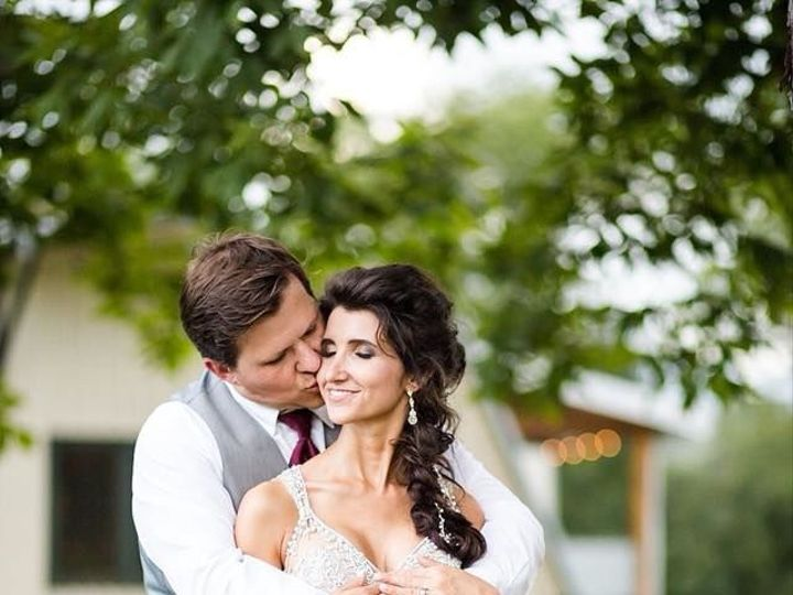 Tmx 1536185836 Df8ea6ef0d1a41be 1536185835 015bc02cb3ec6d78 1536185835343 2 39535851 680362142 Arden, NC wedding beauty