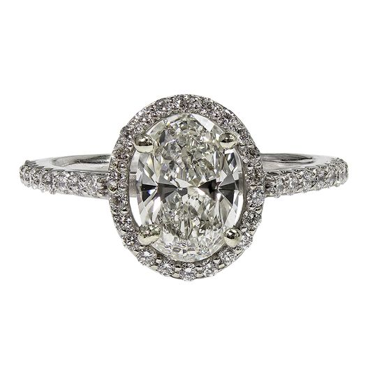 Diamond oval halo