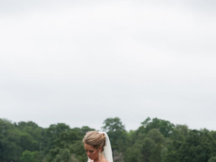 Tmx Bride And Groom 0073 51 1189479 159855756964282 Leawood, KS wedding jewelry