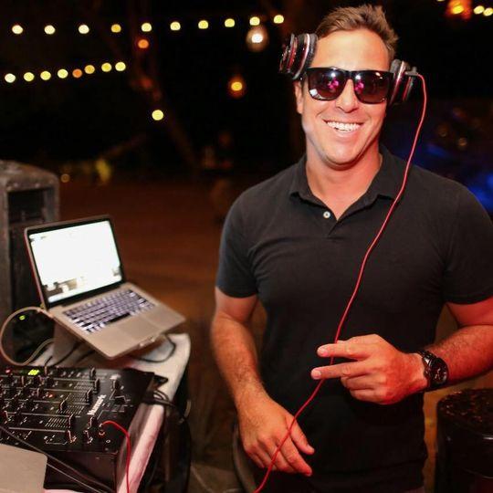 Costa Rica-DJ