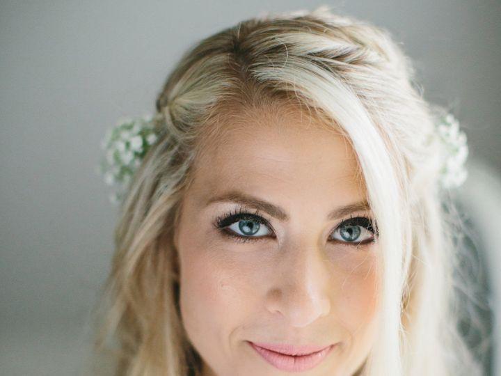 Tmx 1515425108 3064356db78045e7 1515425094 Bc68aa85242524e7 1515425090422 5 LINDSAYHITE 063 Portland, ME wedding beauty