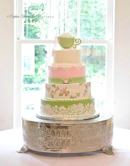 Acuna's Custom Cakes