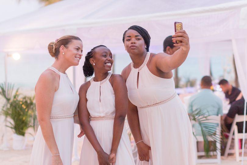 Bridesmaids' selfie