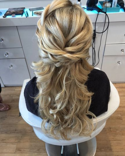 Half updo with waves
