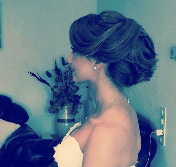 Bride with elegant and beautiful updo