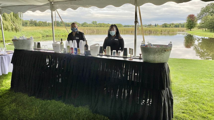 Full bar services