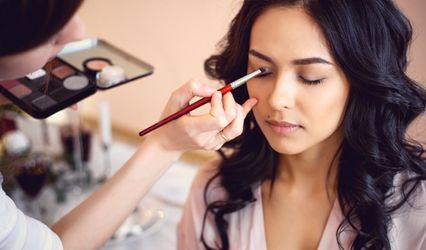 Radiance To Go Airbrush Makeup & Tan 2