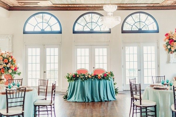 Tmx Bellacosa Lakeside Spring Wedding Inspiration A Chair Affair Elizabeth Chairs Chiavari Chairs 51 181679 158138949114698 Orlando, Florida wedding rental