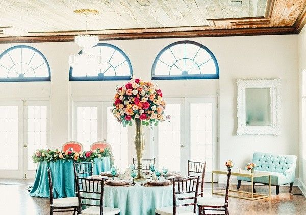 Tmx Bellacosa Lakeside Spring Wedding Inspiration A Chair Affair Settee Chiavari Chairs 51 181679 158138945966139 Orlando, Florida wedding rental