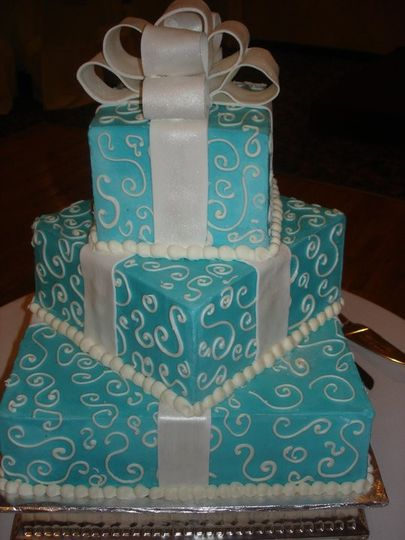 Gift box themed wedding cake