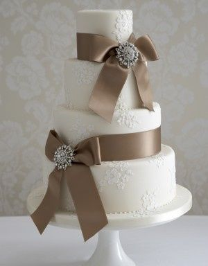 Brown ribbon cake