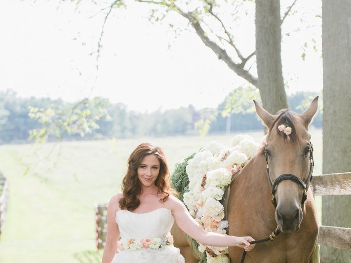 Tmx Bbb Bride With Horse 51 1030779 158732520418281 Easton, MD wedding florist