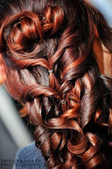 """Patricia Vega """"Hair & Makeup Studio"""""""