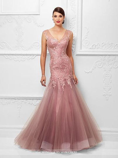 Trumpet style dress in pink