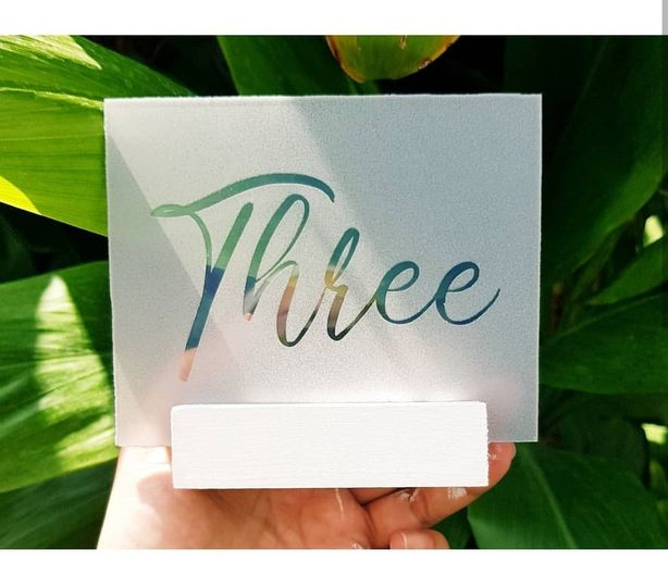 Table numbers with holders