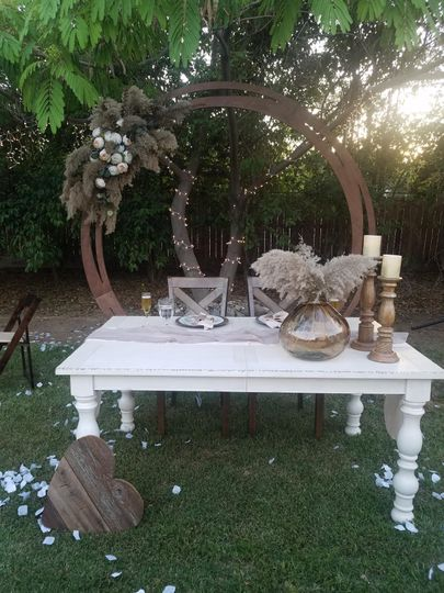 Shabby Chic Sweetheart Table