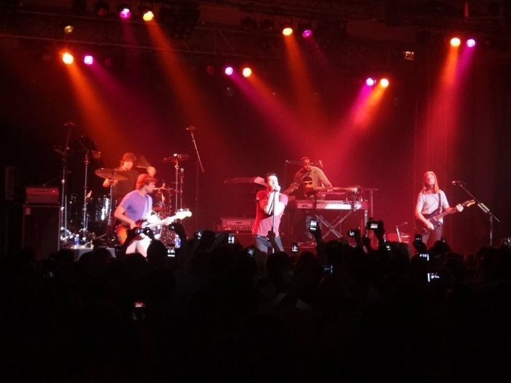 DJ ScottyD opens for Maroon 5
