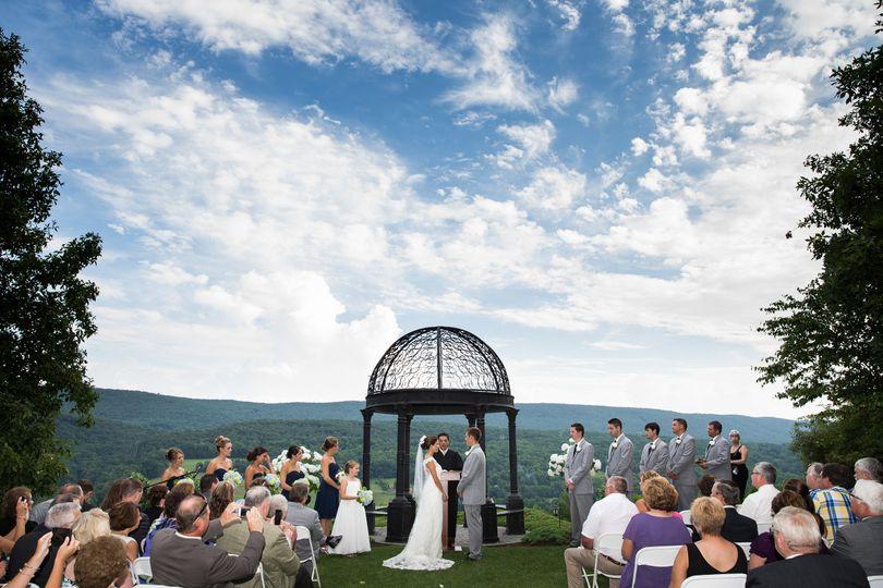 Stroudsmoor country inn photos ceremony reception venue for Small wedding venue nyc