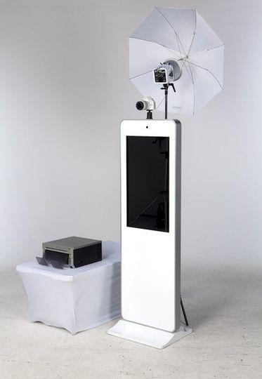 600x6001459256018052 selfie stationside nologo