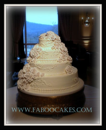 800x800 1391127824915 white roses wedding cake jane  stev