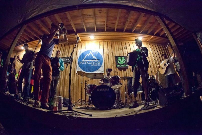 Big house. lodge music band