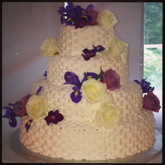 pariser 39 s bakery wedding cake baltimore md weddingwire. Black Bedroom Furniture Sets. Home Design Ideas