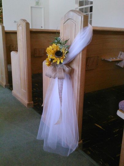 chruch pew swag with sunflower