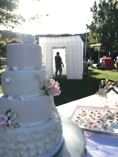 Wedding cake and the photo booth