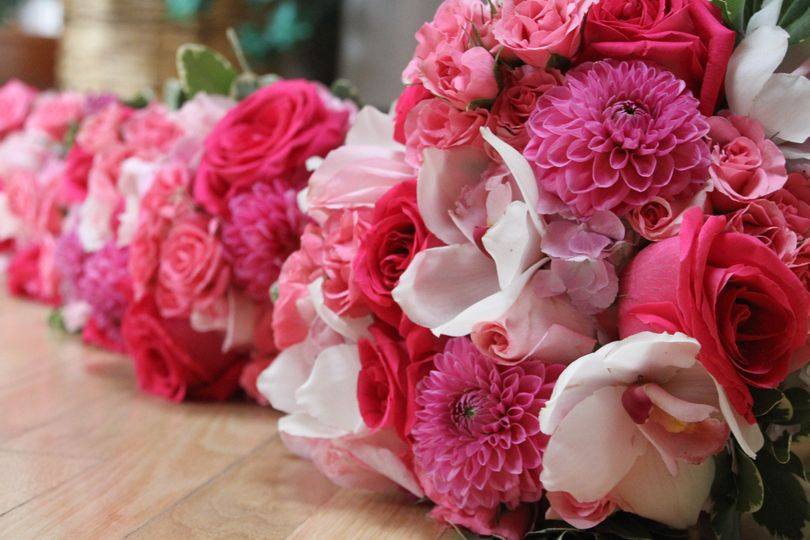 Candlelight & Roses Florist