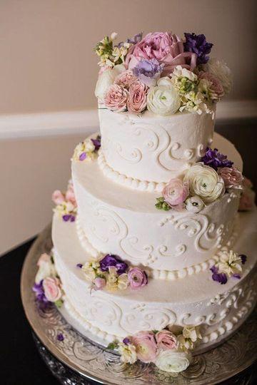 Elliegant Cakes