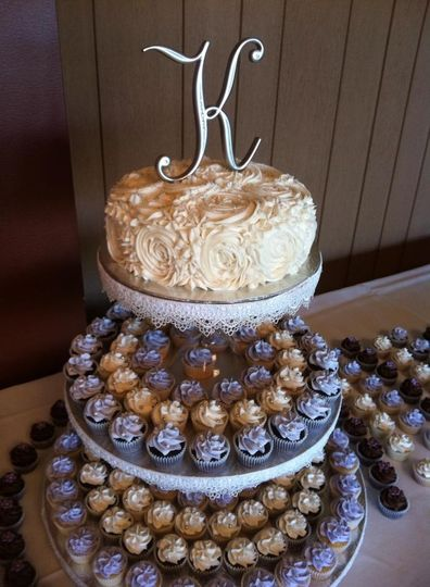 wedding cakes and cupcakes edmonton minibites cupcakes wedding cake alberta alberta 23789