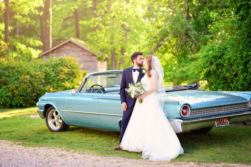 Cynthia Viola Photography, apex wedding, the oaks at salem, vintage car