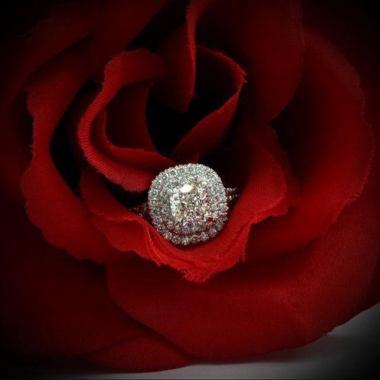 engagement ring 02 cushion style 038 11
