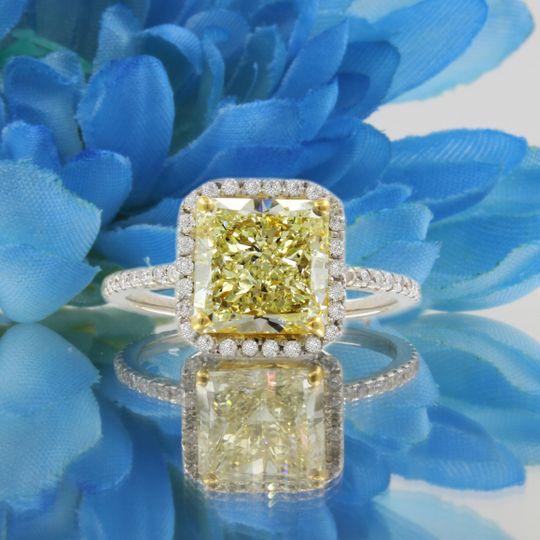 Yellow center diamond