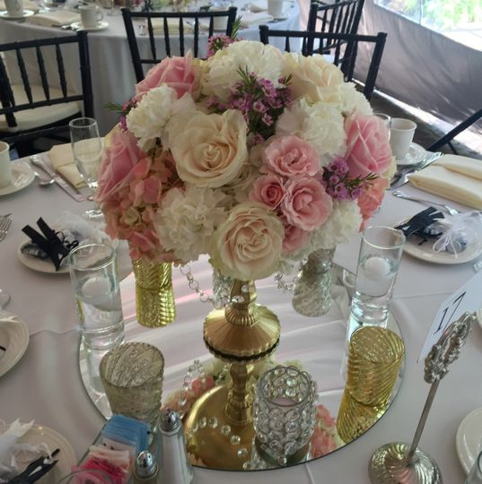 Both high and low centerpieces.