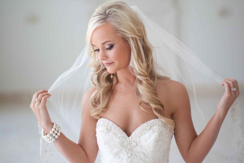961decc7feeacba5 Bride Picture
