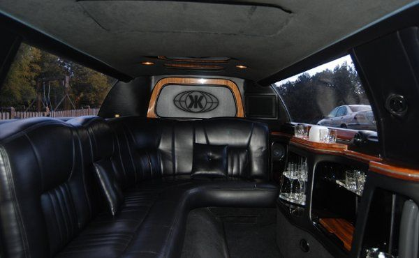 Sojourn Tours & Limousine -Interior 8 passenger stretch limo