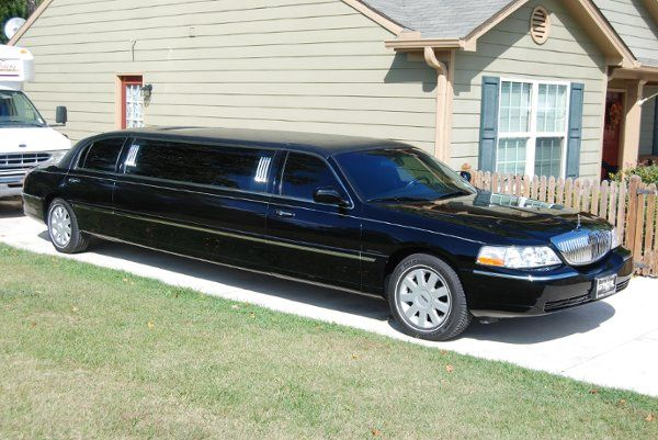 Sojourn Tours & Limousine's 8 passenger Lincoln stretch limo