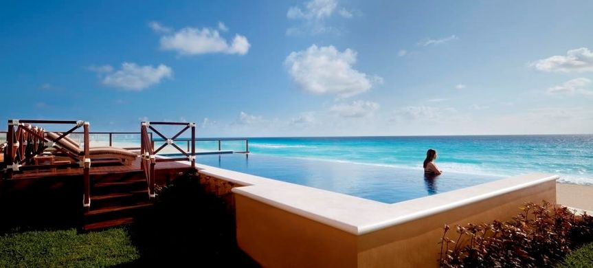 Infinity pool - cobalt suite