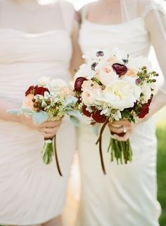 whits bridal bouquet